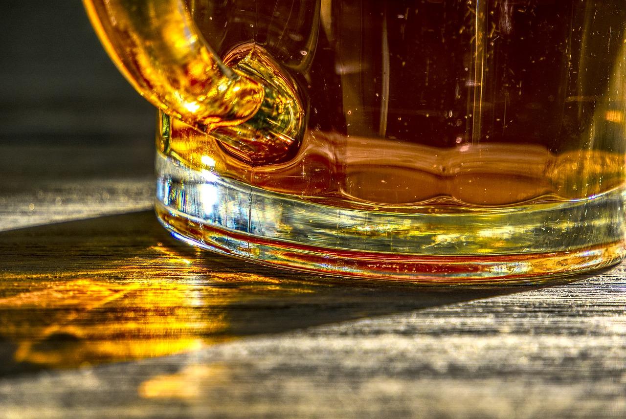 Beer Glass Krug Sunlight Light Reflection Rays